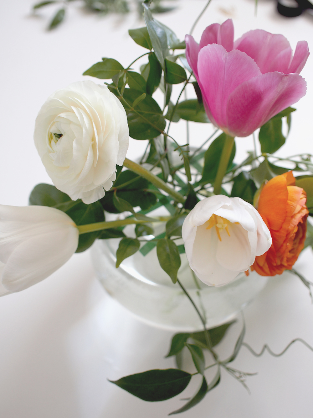 Steps to arranging blooms for your spring bash | A Fabulous Fete