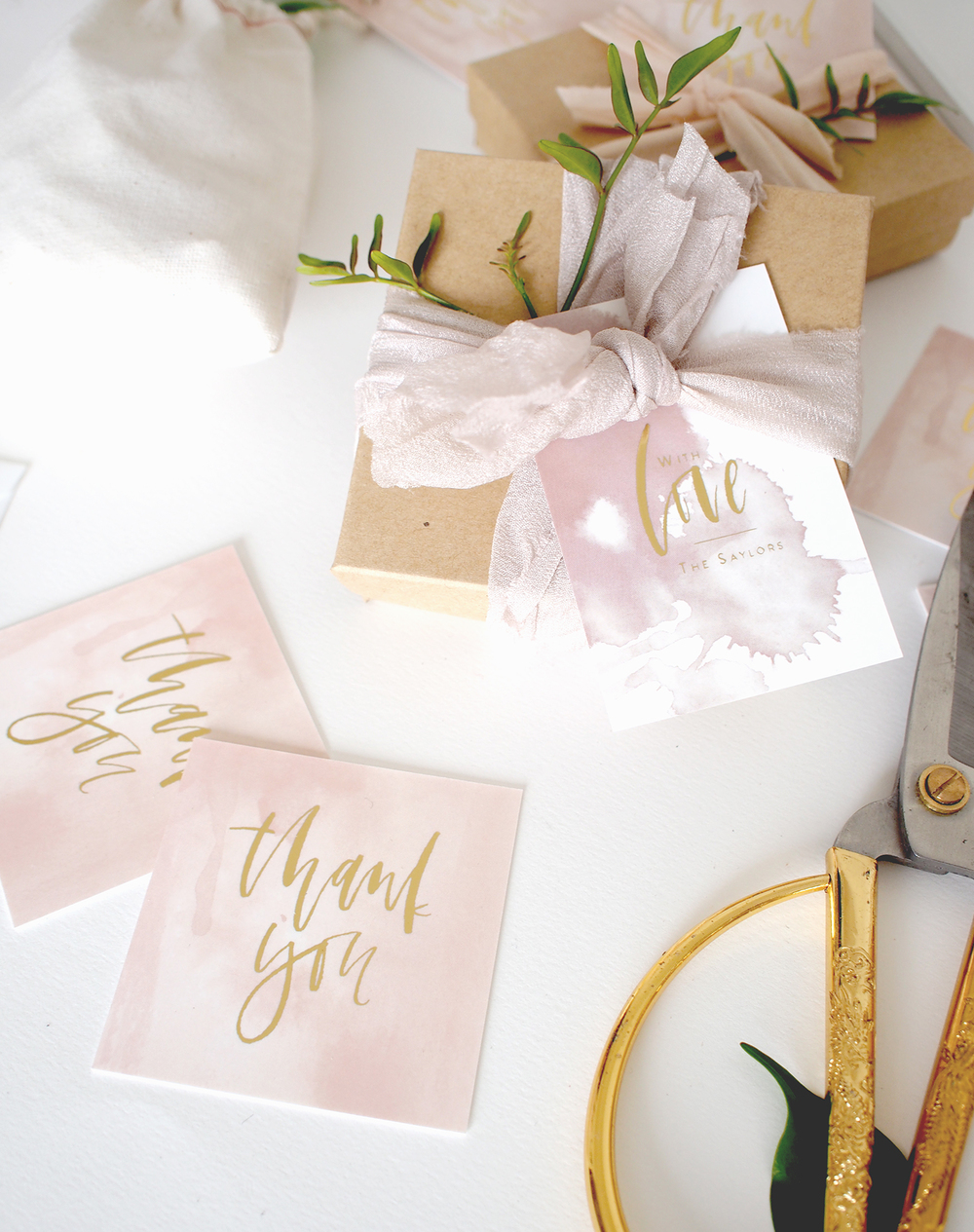 An easy way to wrap up favors for your wedding or event | A Fabulous Fete