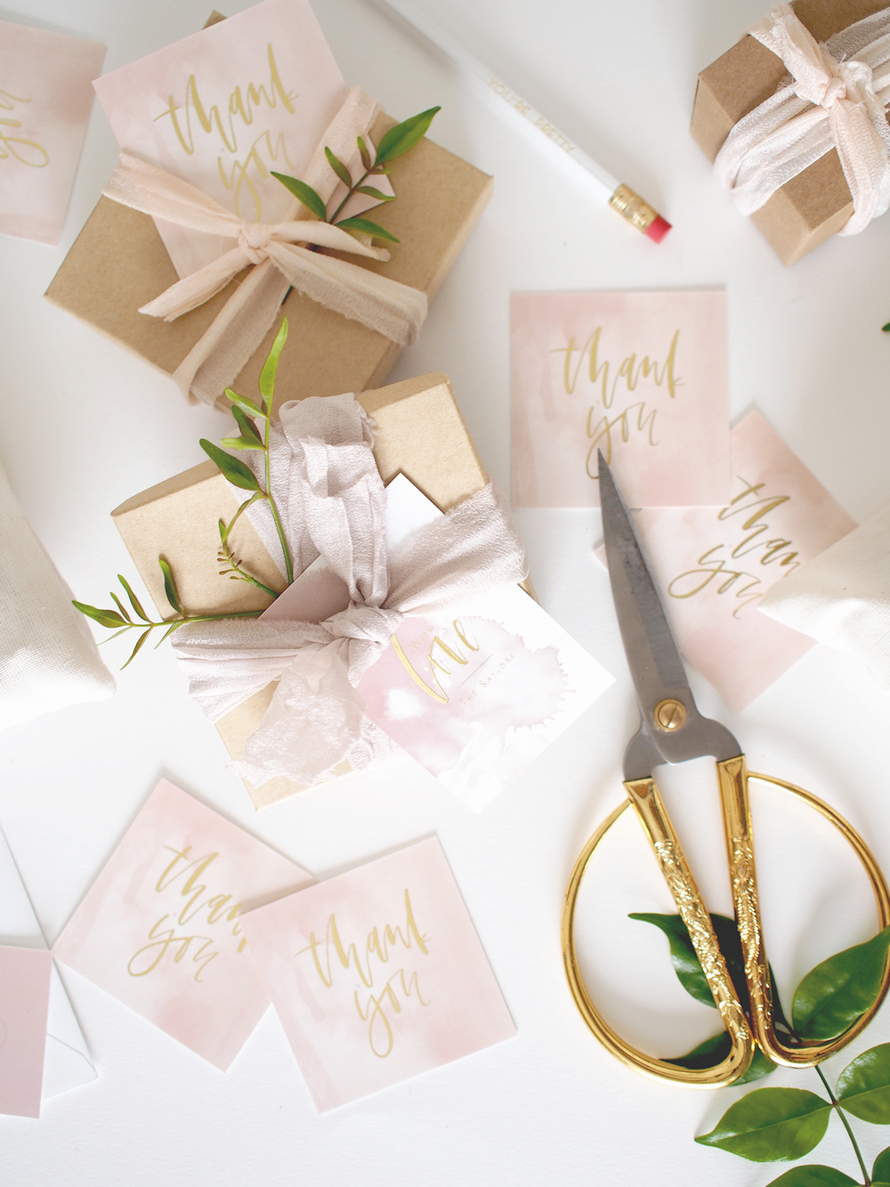 Wedding favor wrapping and tag ideas | A Fabulous Fete