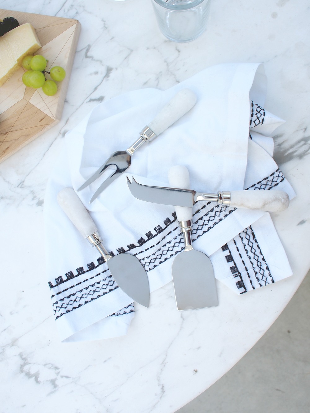 Do you know how to correctly pair your knives to your cheeses? Click through to find out on the blog! | A Fabulous fete