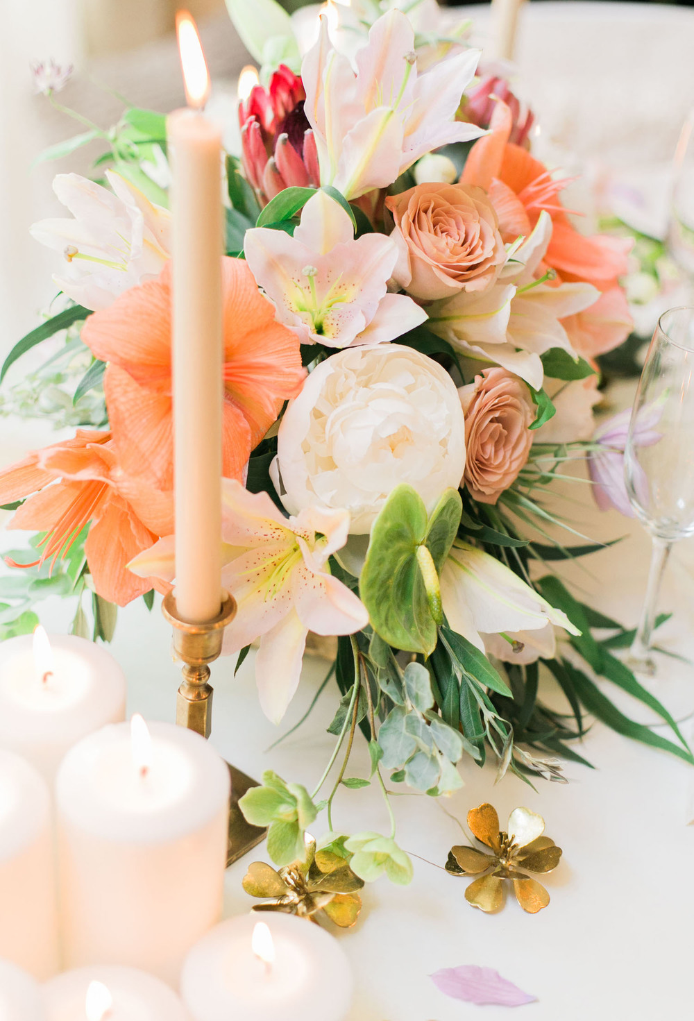 Tropical bohemian flower arrangement by Beautiful Savage Flowers | A Fabulous Fete