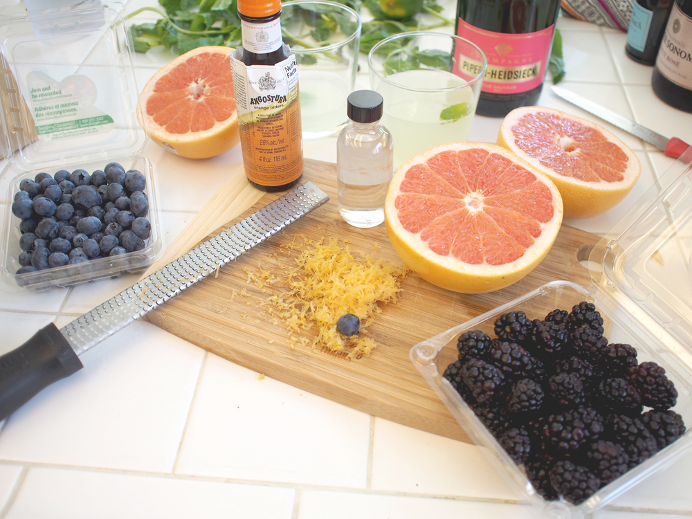 Ingredients for a simple sparkling weekend cocktail | A Fabulous Fete