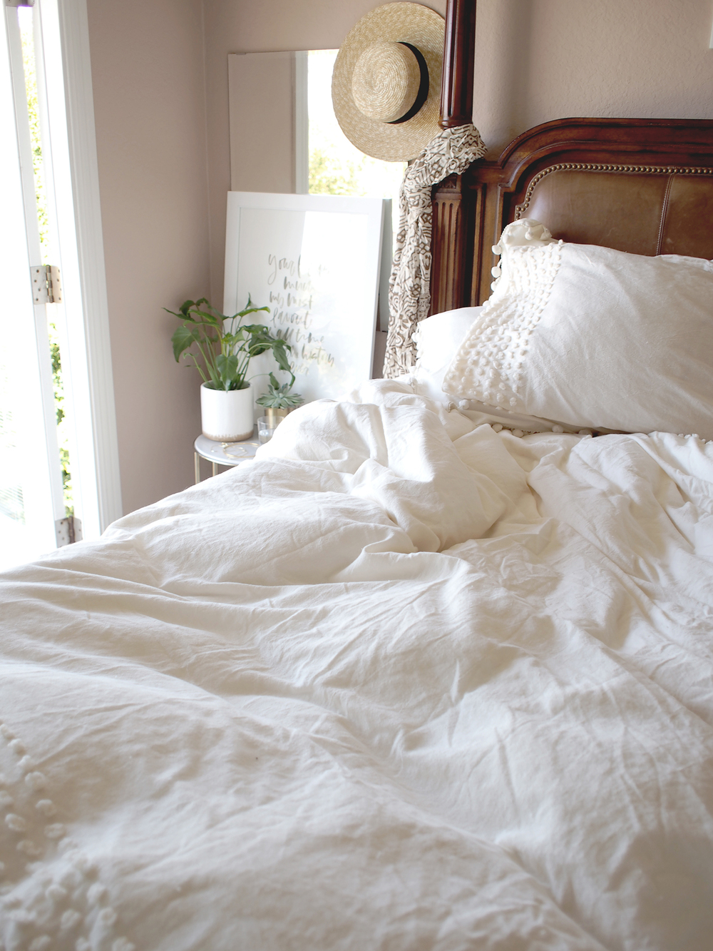 Light summer bedding, the easiest way to update your room for warmer weather | A Fabulous Fete