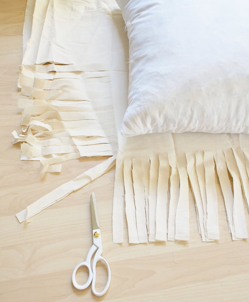 DIY fringe floor pillow | A Fabulous Fete