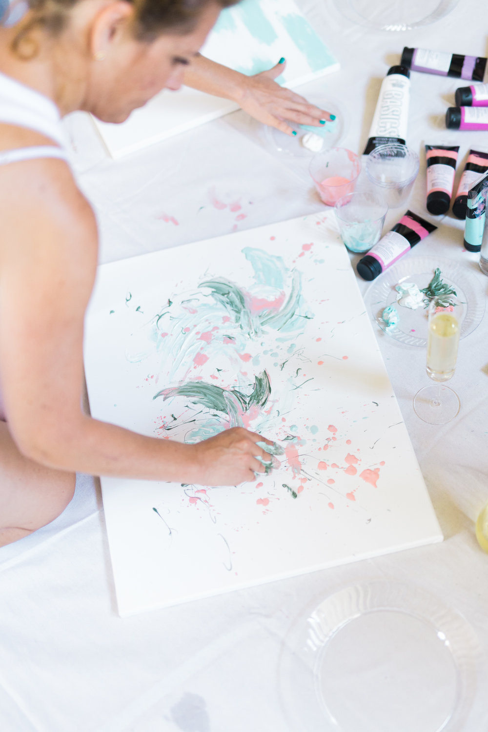 Creating large art pieces at a painting party | A Fabulous Fete