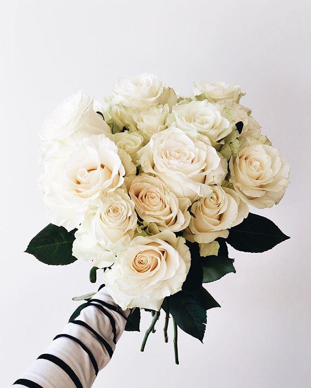 White Florals | A Fabulous Fete