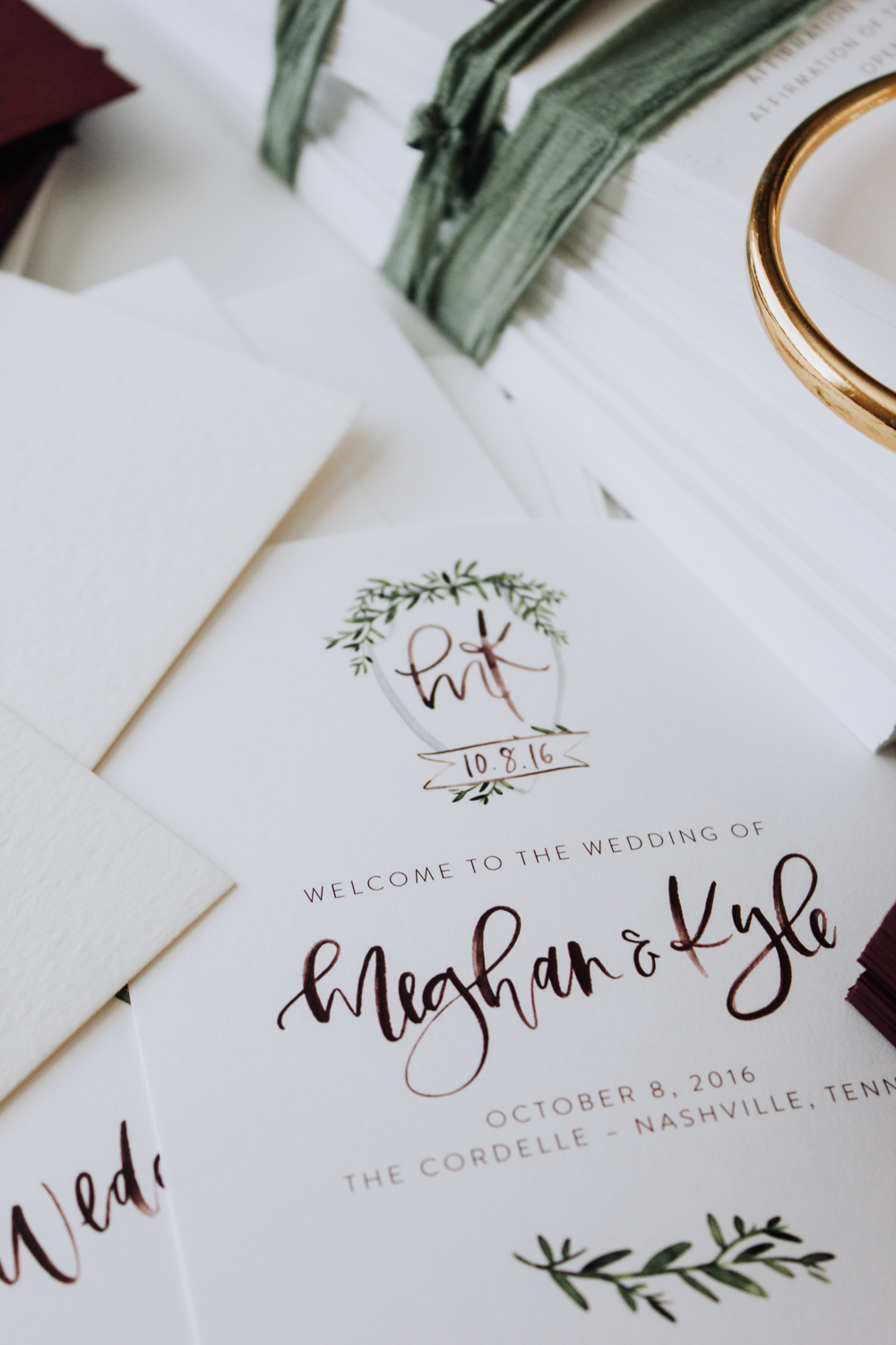 Custom wedding programs with crest | A Fabulous Fete