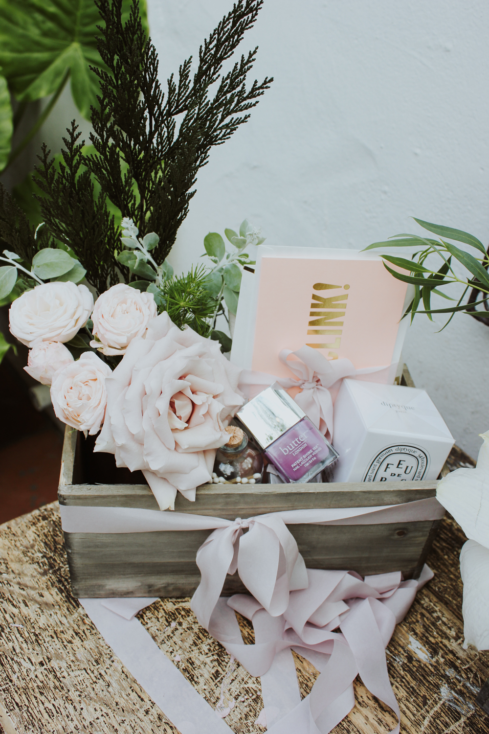 A gorgeous gift box with a mix of DIY and small items to gift to a friend | A Fabulous Fete
