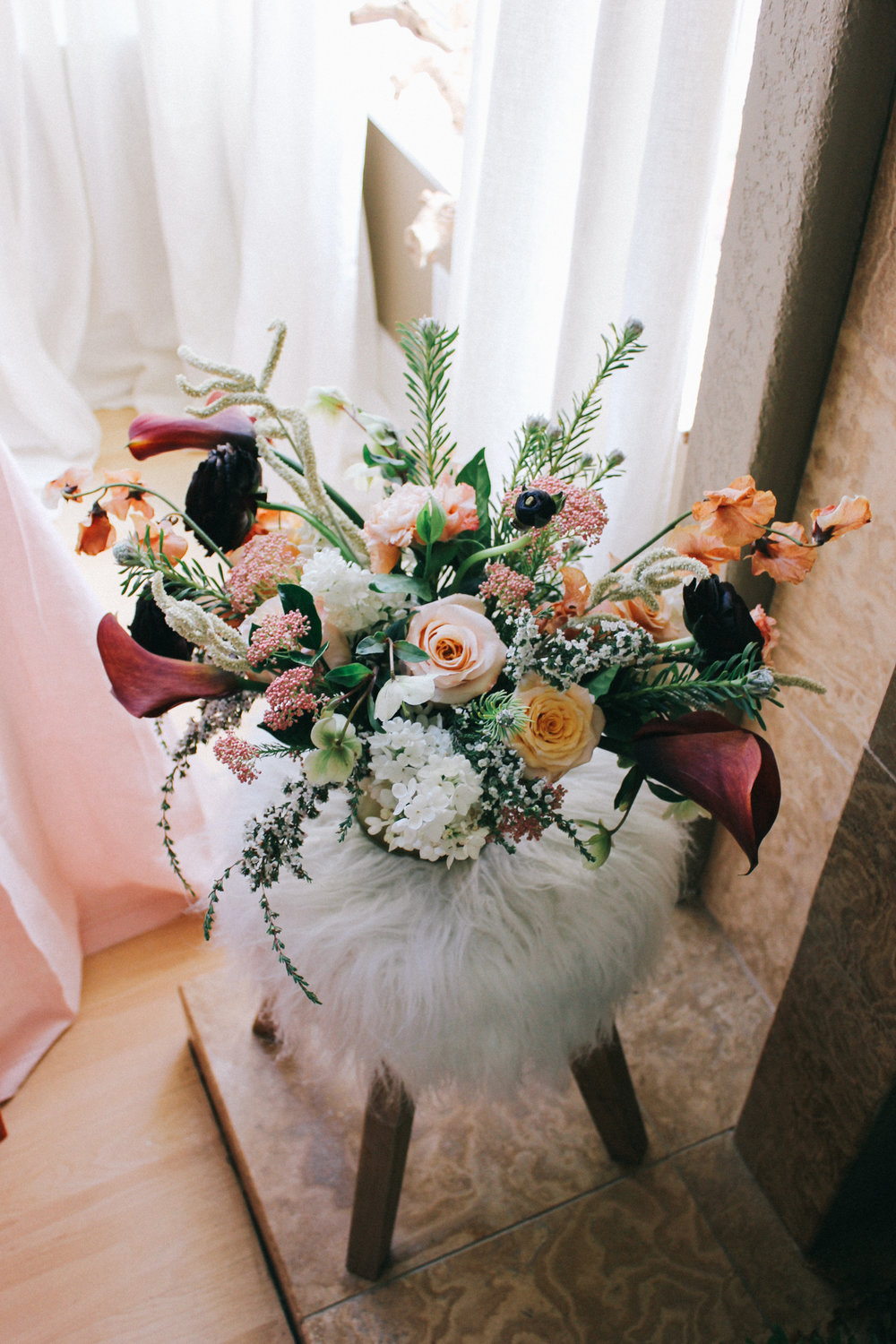 Rust and blush florals by Beautiful Savage Flowers | A Fabulous Fete