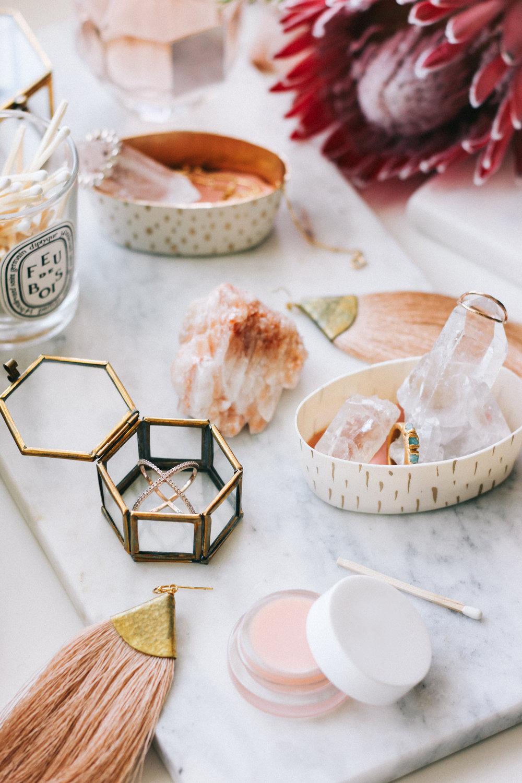 Dresser decor | A Fabulous Fete