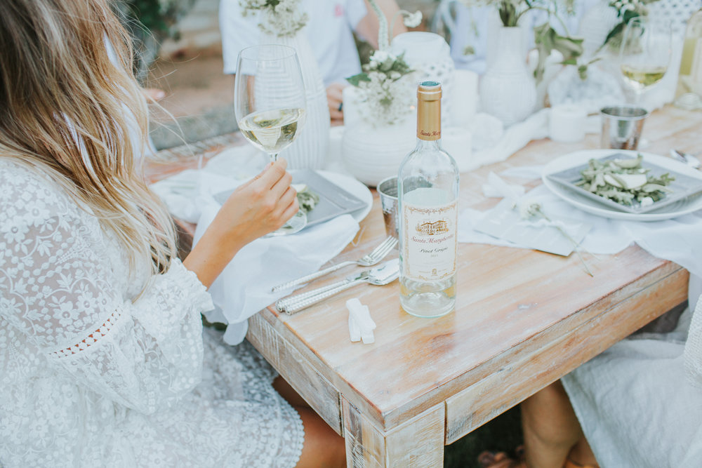 Outdoor dinner party with friends and wine | A Fabulous Fete