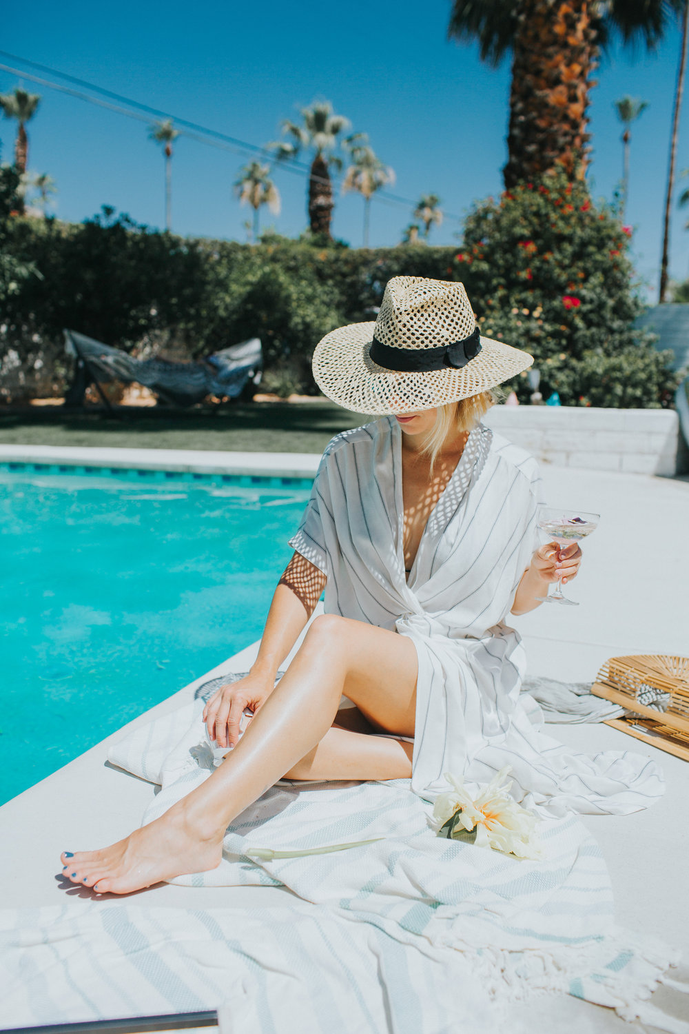 Summer pool party attire | A Fabulous Fete