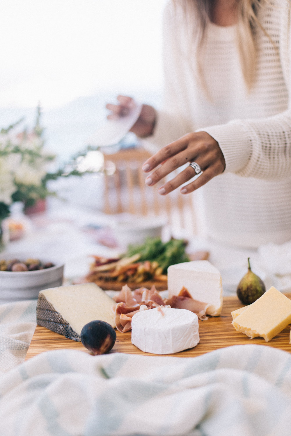 How to set up a simple cheese plate when you're not at home! | A Fabulous Fete