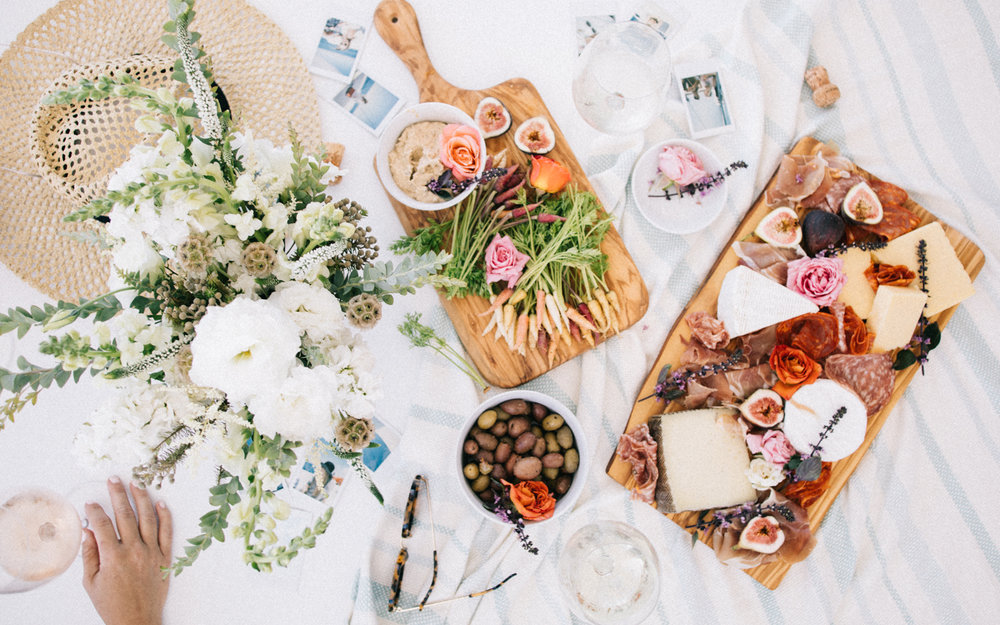The perfect summer spread! | A Fabulous Fete