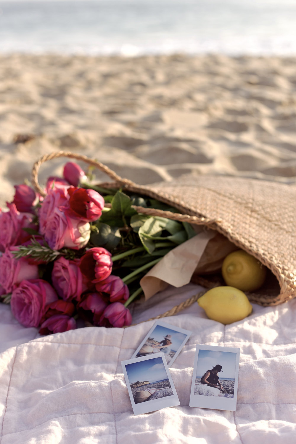 flowers at the beach for a fun little picnic, see more on the blog! | A Fabulous Fete