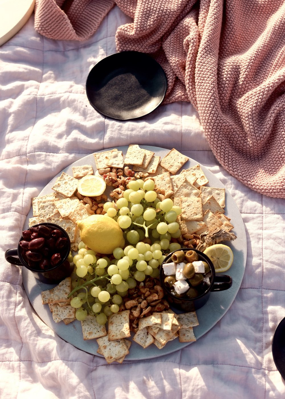 Create a gorgeous snack spread with little to no prep for impromptu picnics | A Fabulous Fete