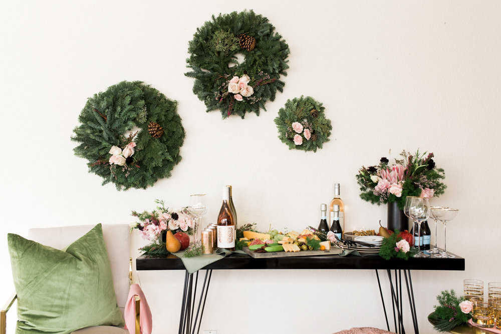 Simple holiday cocktail party at home | A Fabulous Fete
