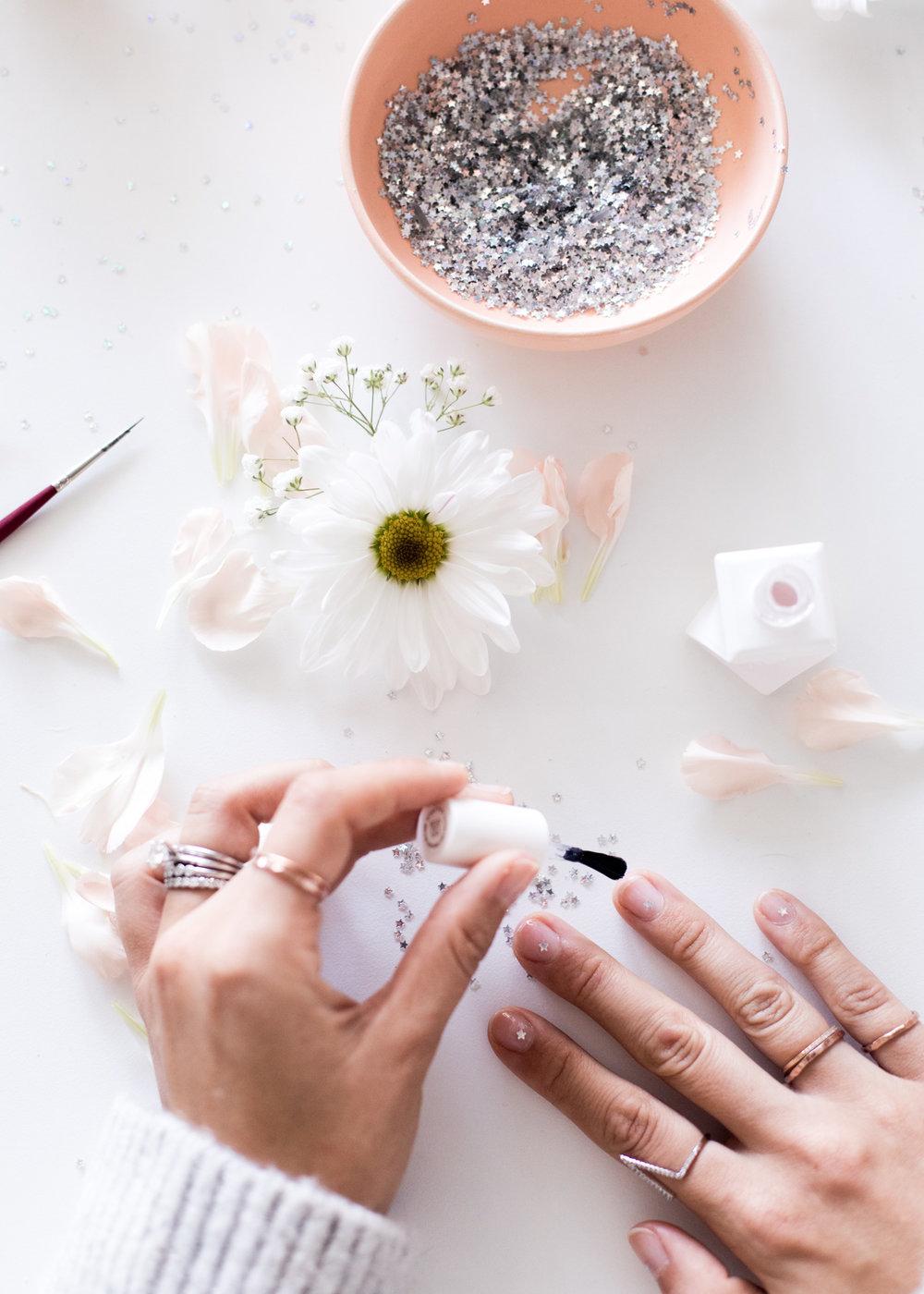 Star Confetti DIY Mani | A Fabulous Fete