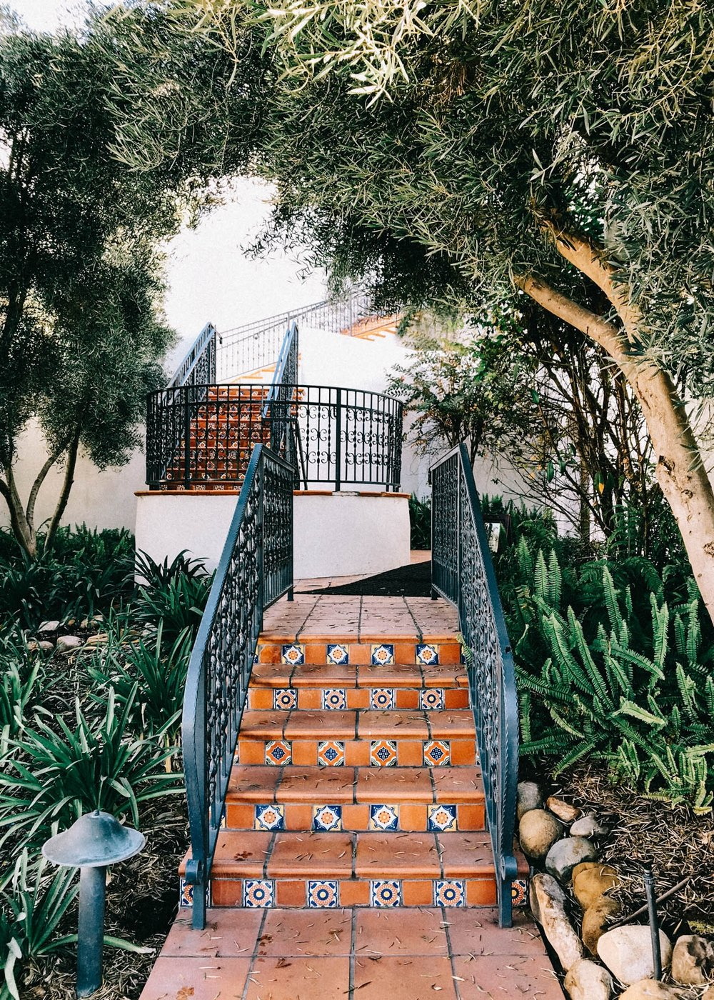 Gorgeous walkways in Ojai | A Fabulous Fete