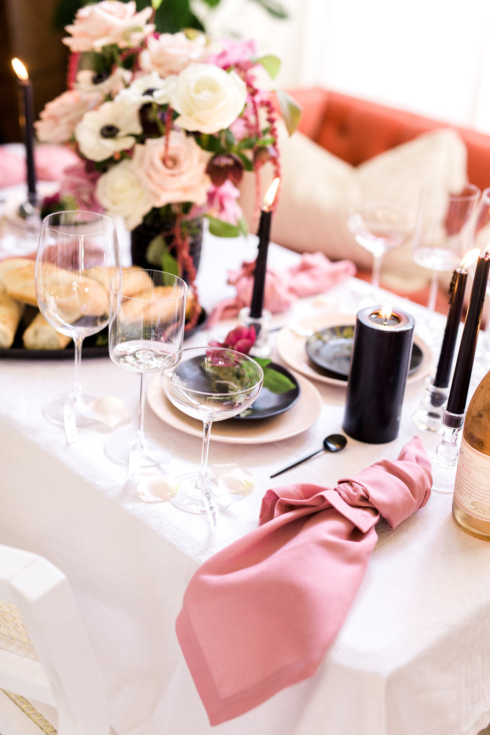 Simple pink and black dinner table | A Fabulous Fete