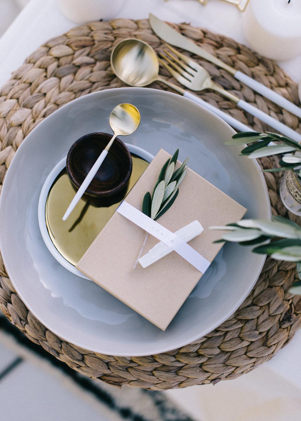 A Spring Desert Tablescape | A Fabulous Fete