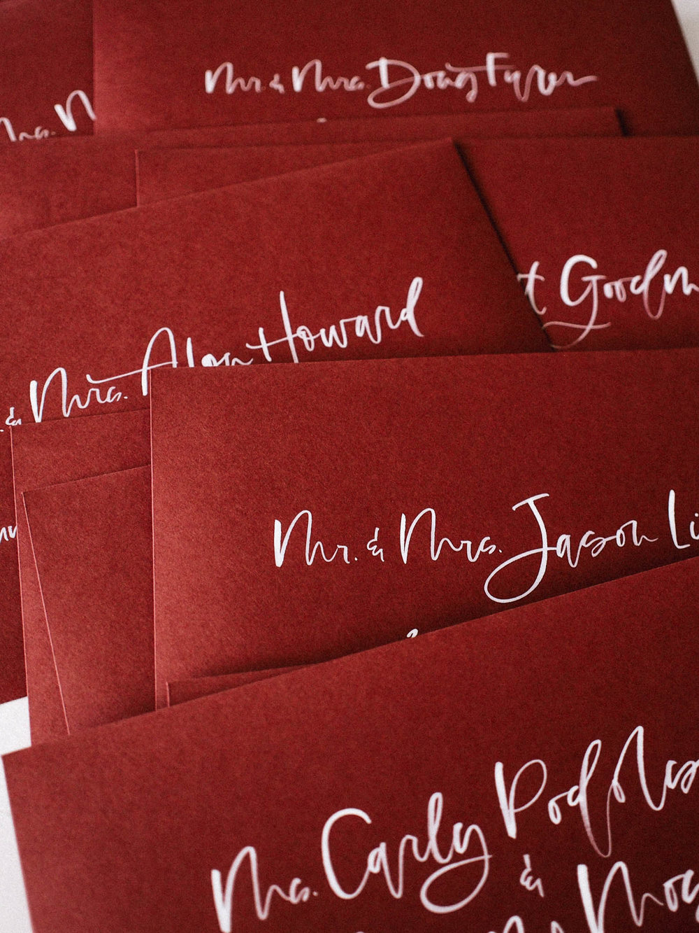 Hand lettered wedding invitation envelopes | A Fabulous Fete