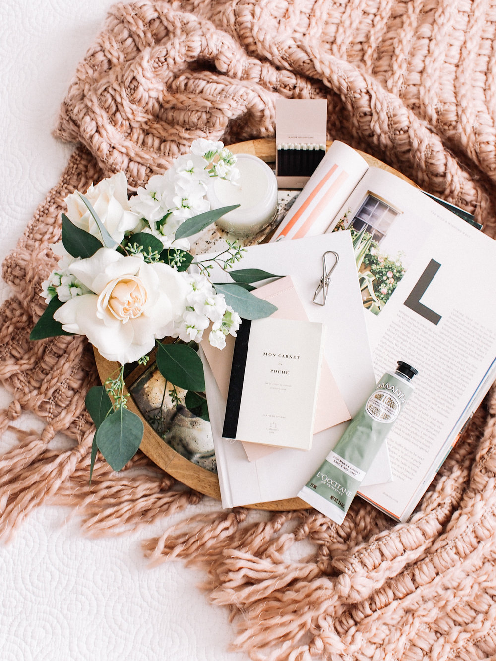 What to stock your guest room with for Holiday guests | A Fabulous Fete