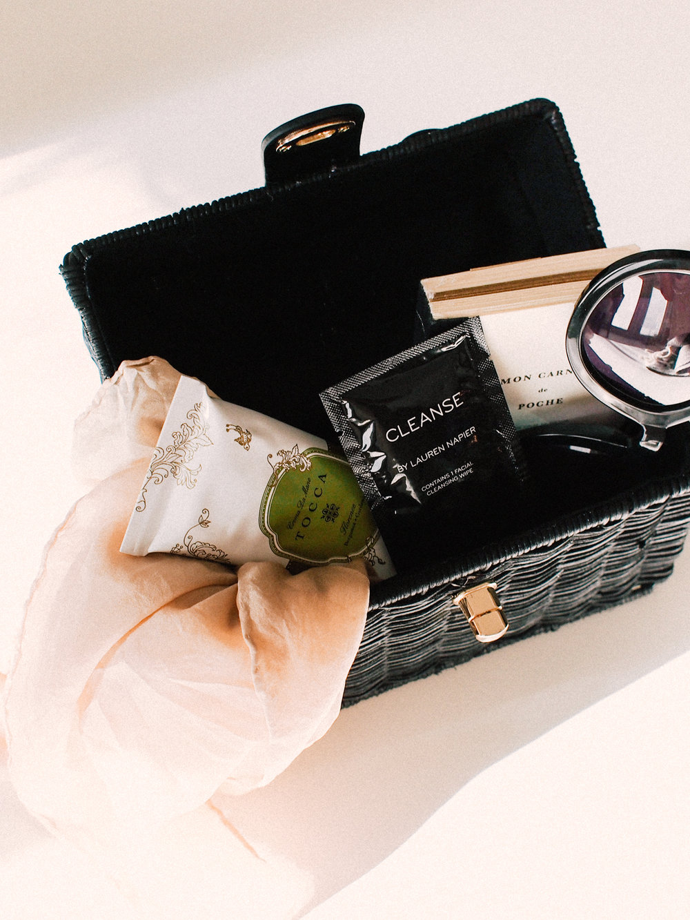Must haves on a plane | A Fabulous Fete