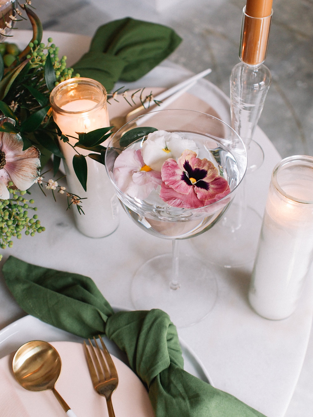 Accessorize a spring tabletop | A Fabulous Fete
