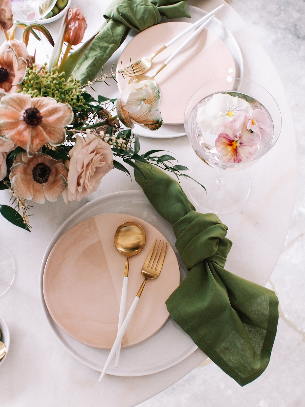 The perfect spring tabletop  | A Fabulous Fete