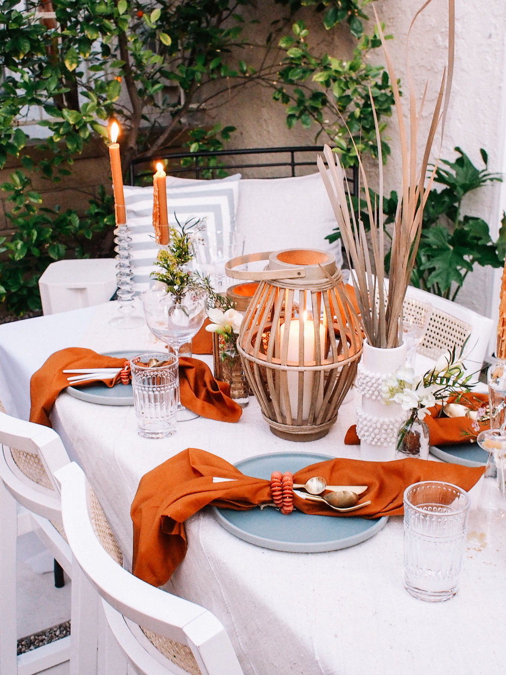 Tips for Hosting a Dinner In Your Backyard or Garden    A Fabulous Fete