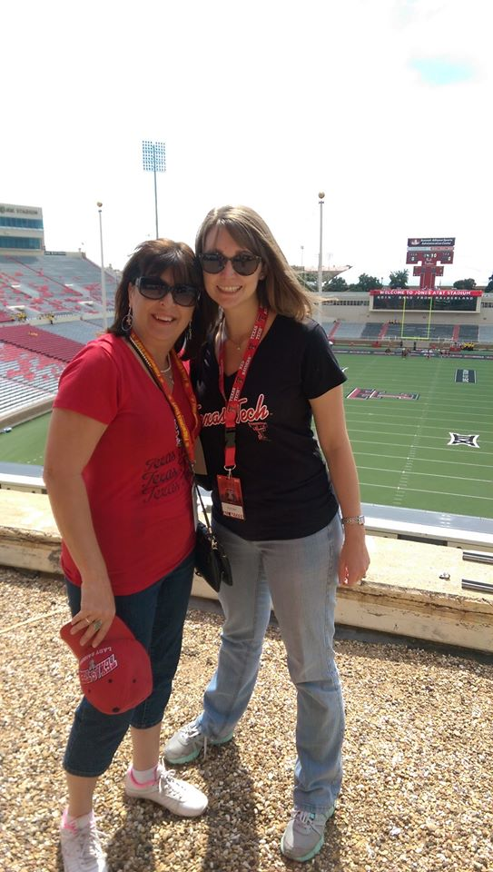 Aunt Diana and I before the game!