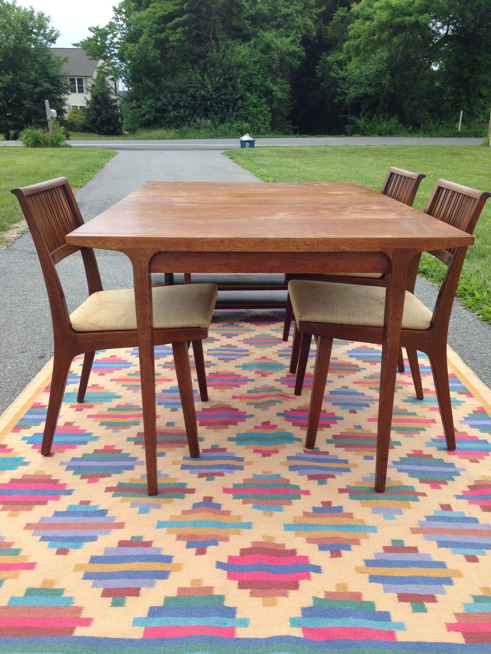 https://www.etsy.com/listing/385045644/drexel-counterpoint-1959-dining-table-3  click here to view the etsy listing.  This is for pick up or regional meets/delivery.only. This gorgeous kilim rug is also available!