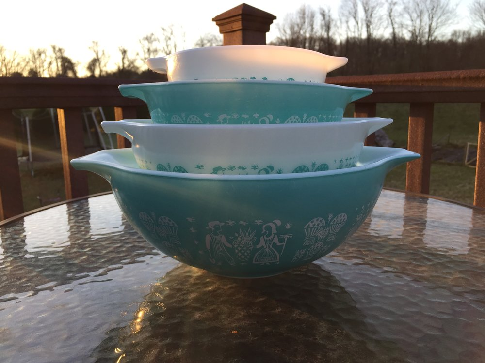 Another super Pyrex set just in! I am saving this and the pink gooseberry set I have for the Mid Atlantic Pyrex Swap in just a few weeks.  If you are headed there too and want to reserve one of these sets message me!