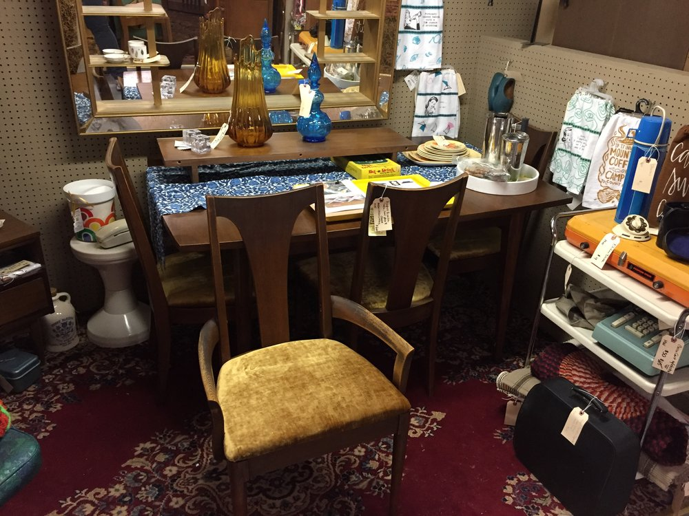 Set includes: Table, leaf, 3 side chairs, 1 arm chair ALL NEW UPHOLSTERY! PICK UP AT MY RETAIL SPACE! $600 VALUE PRICED! I made a great deal on this set and want to pass it on! I usually price these chairs at $700+ in my markets without the table! If you are local and looking for a fantastic classy dining set, this collectible Broyhill Brasilia chair with table is IT! SEE IT TODAY!