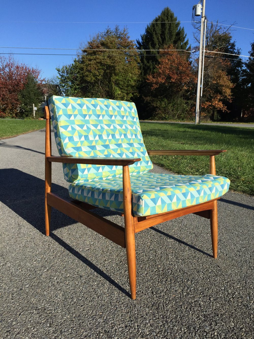 Forgot to show pics of the completed Knoll Antimott chair cushions!  I picked a great geometric indoor outdoor fabric in yellow, white and blue morphing into some green shades. I love it!  This is available!  Instant shipping quotes in my chairish shop.  I can quote some uship guys too.  Reach out!  Delivery in the region too.