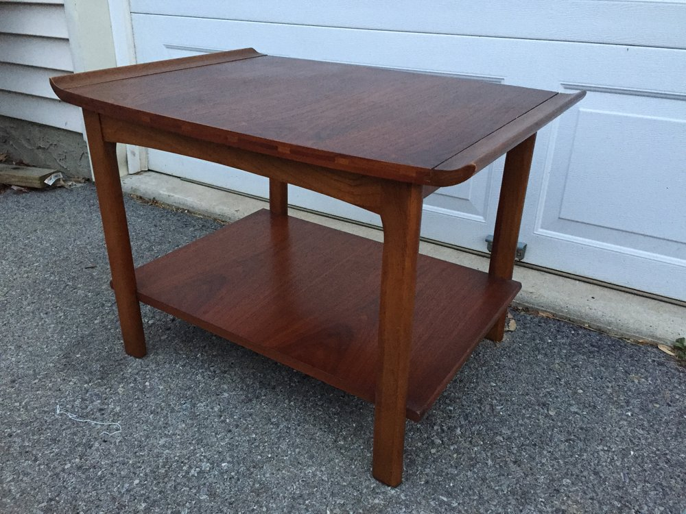 Lane 1050 series end table.  Great shape, amazing joinery in contrasting woods. This is a sweet and harder to find line.