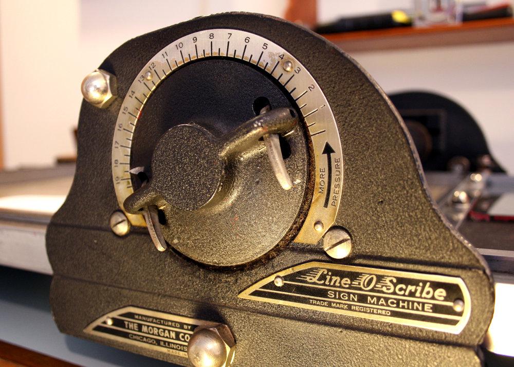 drumming-bird-arts_line-o-scribe_dial