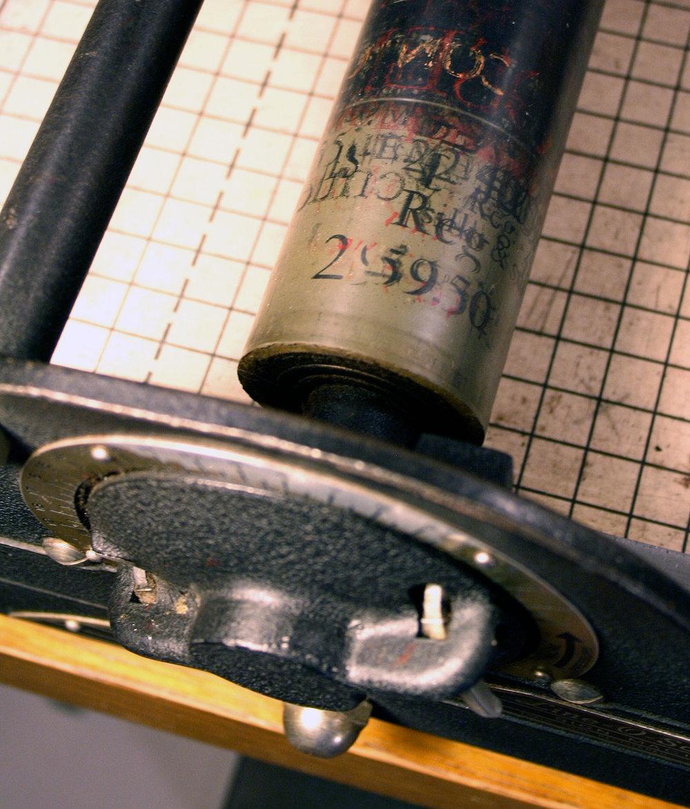 drumming-bird-arts_line-o-scribe_roller