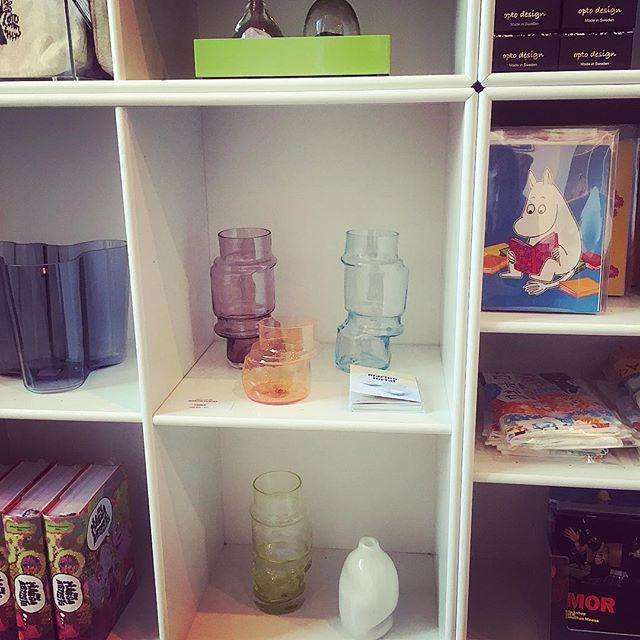 Crooks vases in good company at @kunstglstrand shop! #opening #fernisering #glstrand #kunstforeningenglstrand #tovejansson #mumitroldene #newexhibition #copenhagen #crooks #glassvase #handcrafted  #handmadeincopenhagen