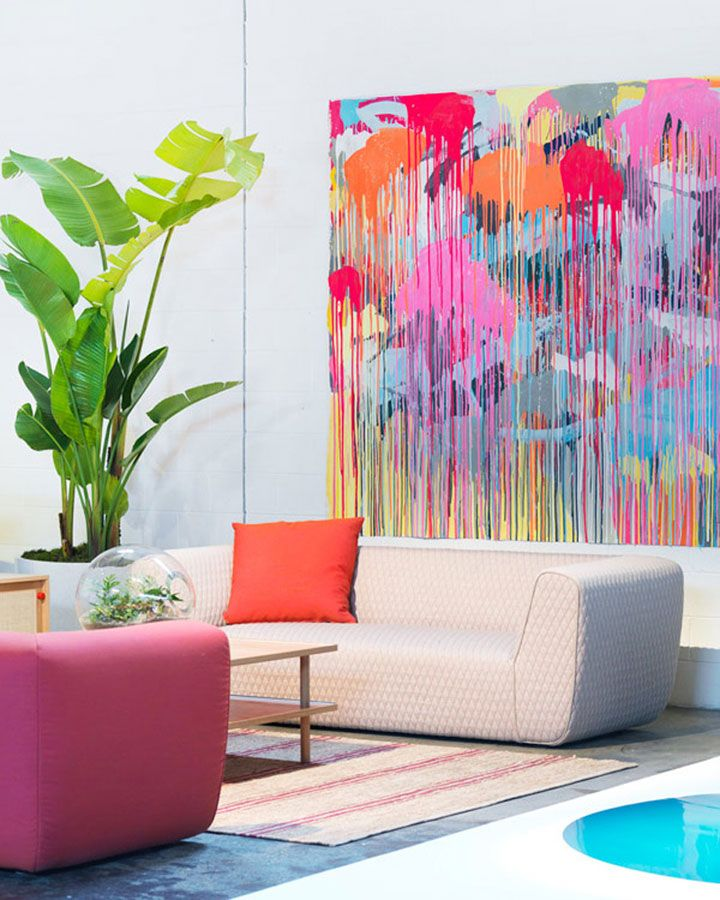 Art will give the room a sense of personality. Select pieces that evoke an apt persona for the space. (Image source: martinich.com)