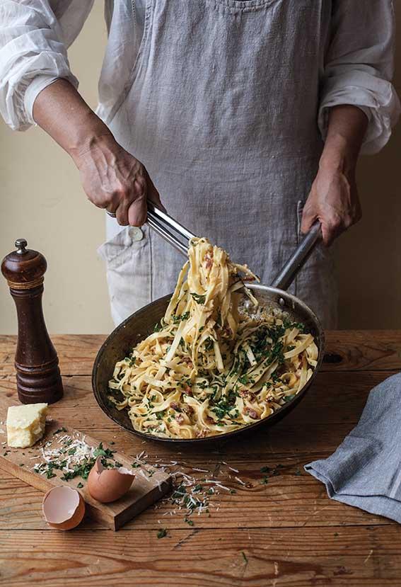 Essential_Pasta&Risotto_PastaCarbonara_Web.jpg