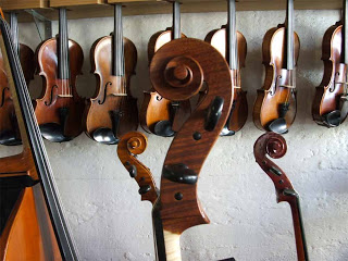 Violin10scroll.jpg
