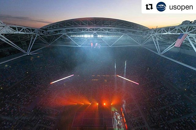 #Repost @usopen with @repostapp ・・・ Opening Night 🎤🎤🎤 (📸: @pottheiser )
