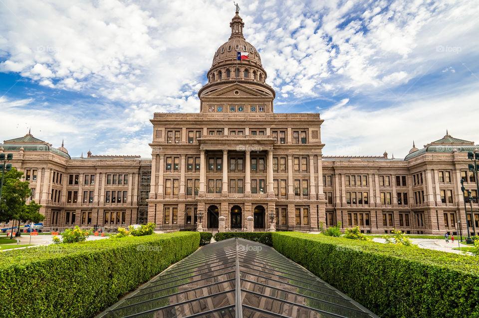 texas-state-capitol-building-in-austin-tx.jpg