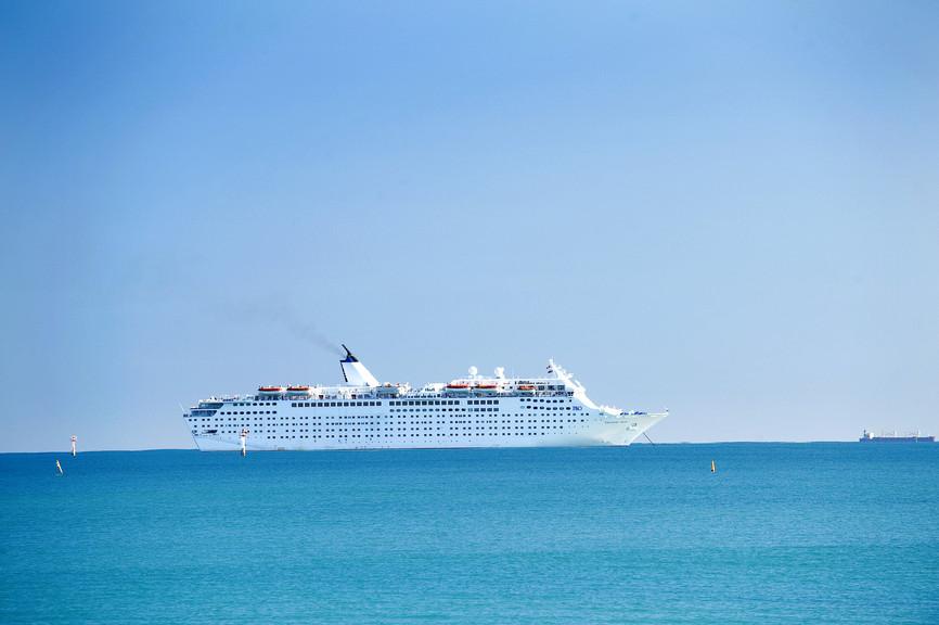 cruiseliner.jpg