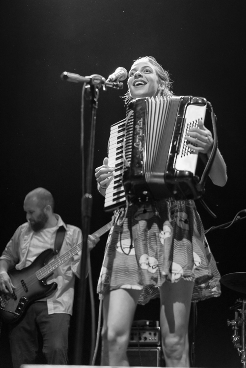 d2ed3-20140523-molotovjukebox-10.jpg
