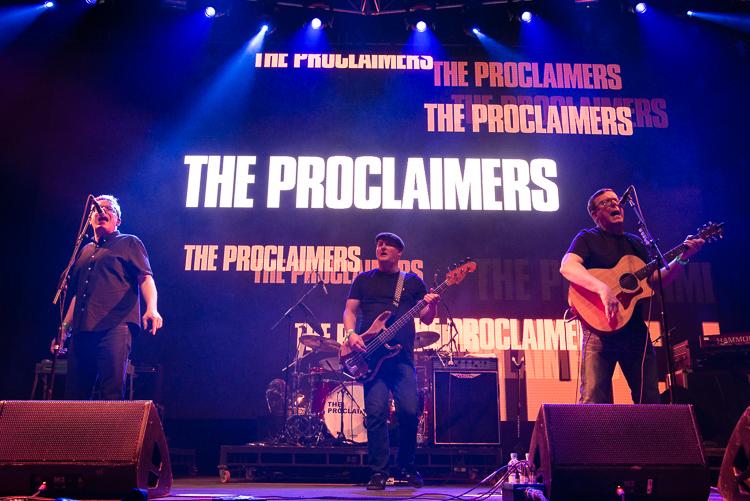 c2272-20160820-theproclaimers-15080-177.jpg