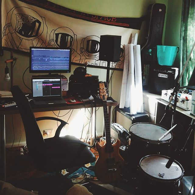 Gr8 day to be makin some sounds for @fourletterwordtheatre 's upcoming show #BABY feat. waking up housemates with my drums