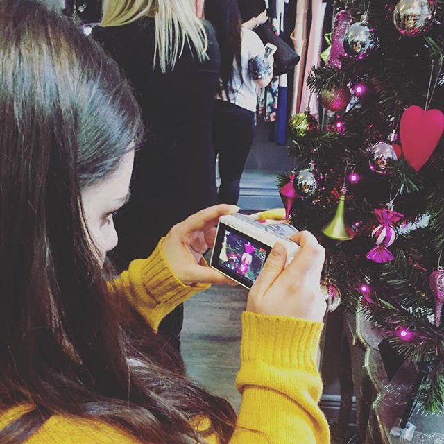 Amazing blogger @chasingrubychat Vlogging her way through the #LimerickStyle event last week!  Earlier this week were are in Limerick for the #LimerickStyle event! Pop up fashion shows & events in boutiques all over the city and 20 #VIP bloggers in attendance! ✨ #limerick #itwbn #irishbloggers
